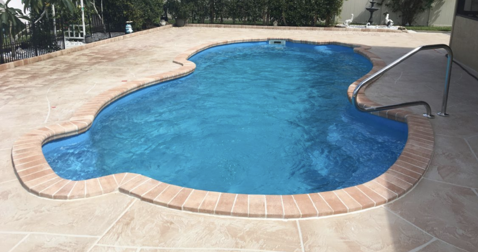 Pool Painting Services - Frog\'s Pool Renovation & Repairs ...
